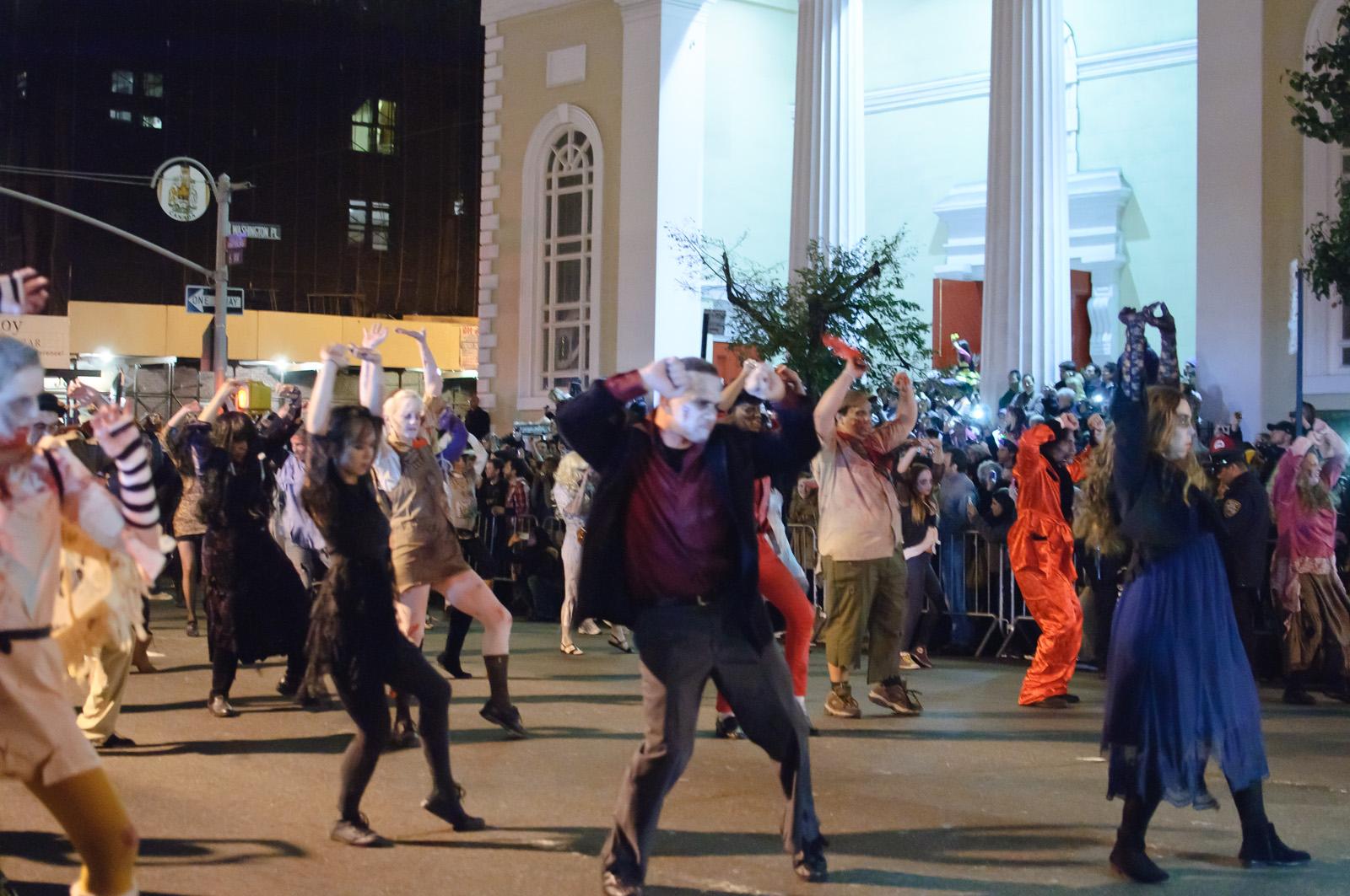 Halloween around the USA | Masquerades, drinks, galas!