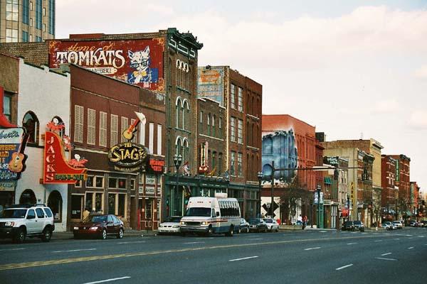 Stuff to do in Nashville: Lower Broadway