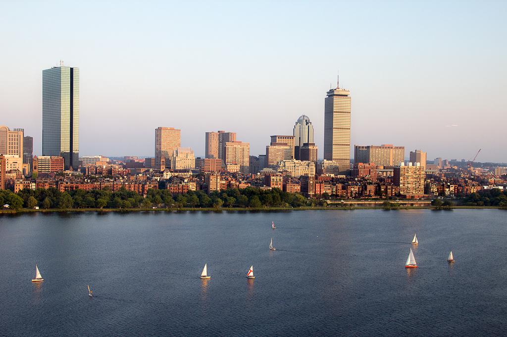 Boston Travel Guide: History, Sailing, Food & More!