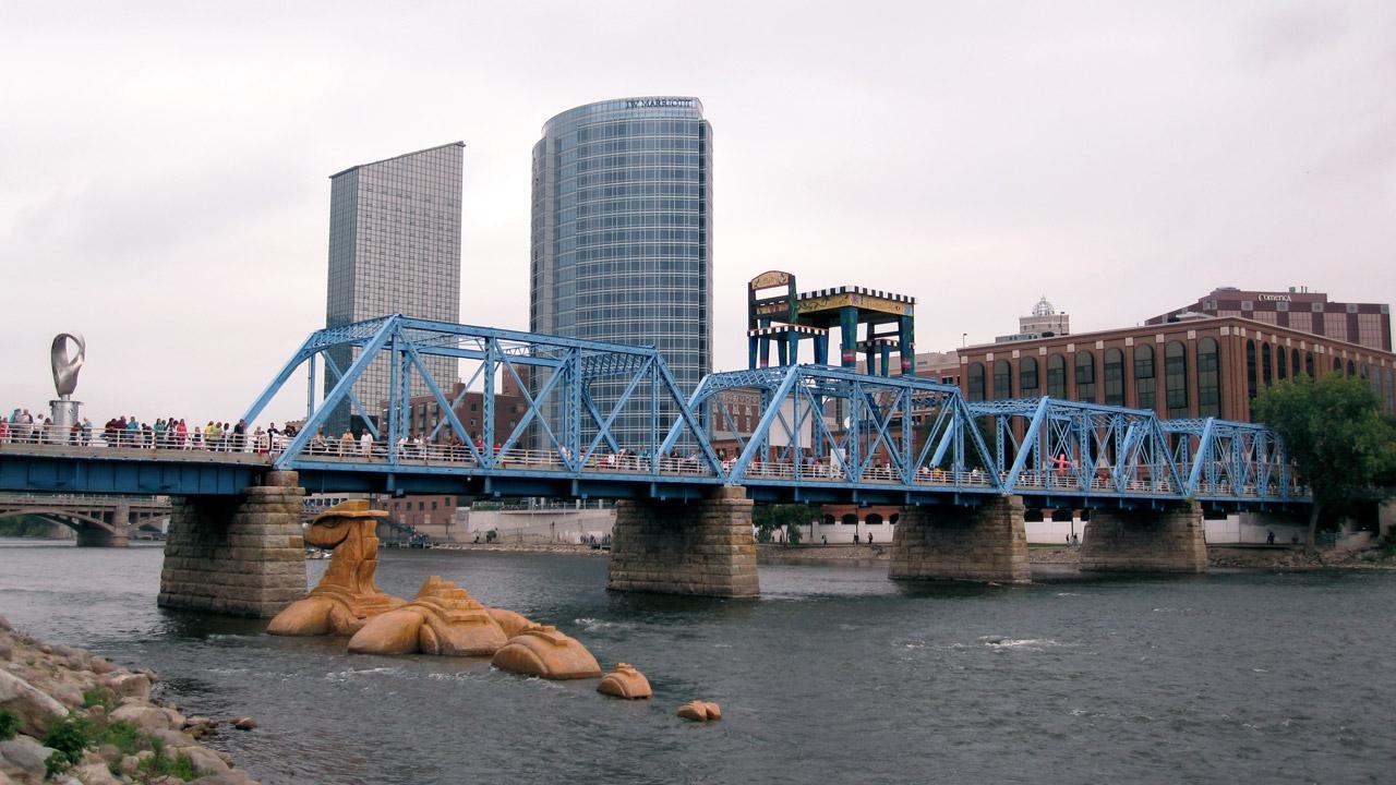 art-prize-river