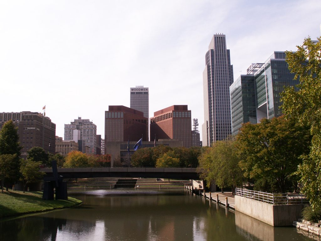 Cheap bus and train travel from Omaha.