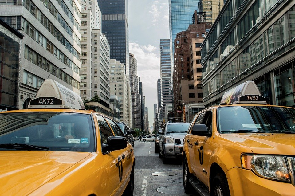 The Easiest Way to Get from Washington, DC to JFK International Airport and LaGuardia Airport in New York