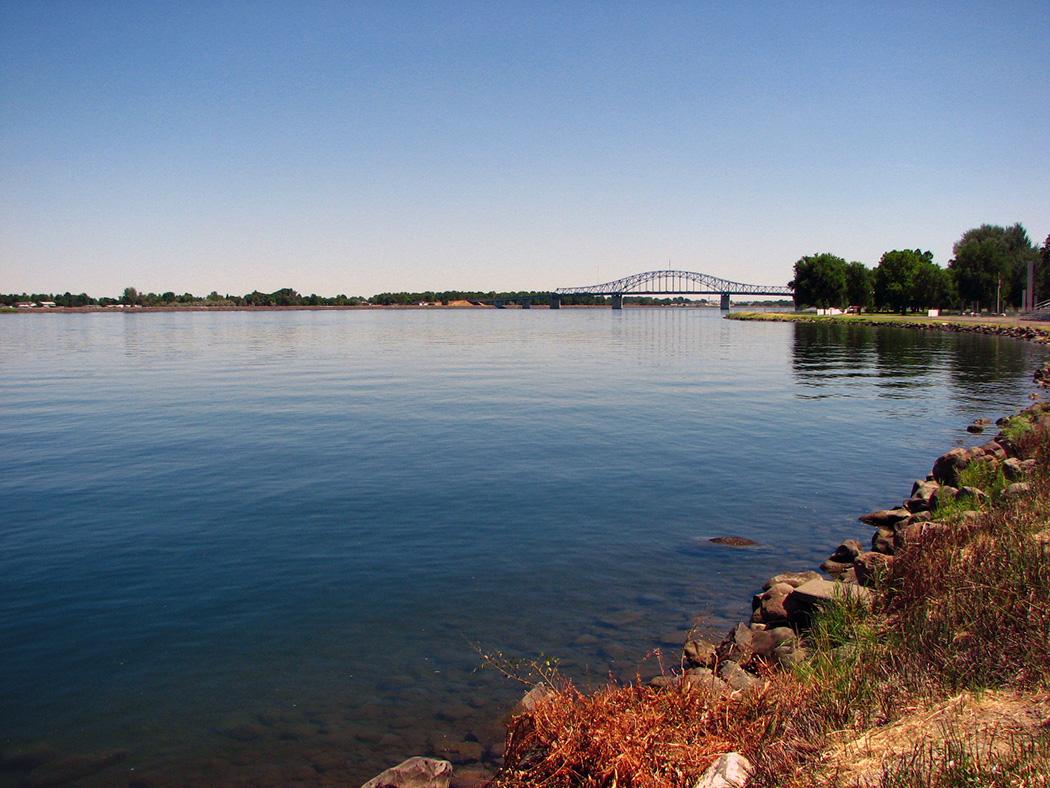 Photo of the Columbia River from Pasco, Washington.
