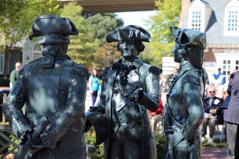 Photo of Revolutionary statues in Yorktown, VA.