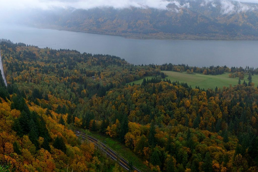 Photo of the Columbia River Gorge in autumn.