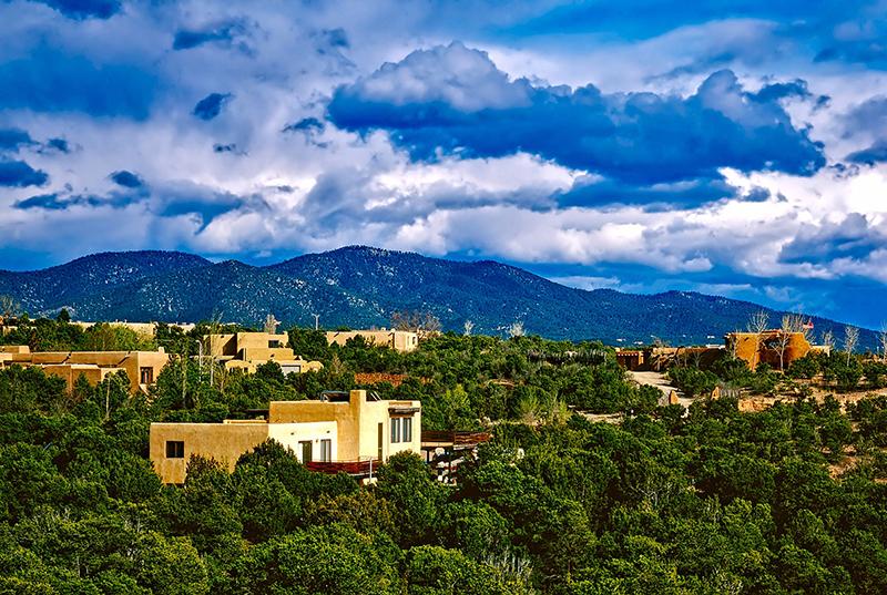 Photo of the mesa around Santa Fe, New Mexico.