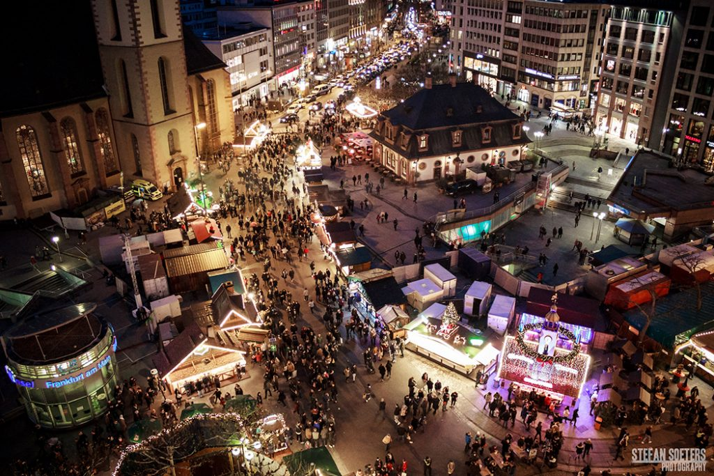 Photo of the Frankfurt Christmas market in December.