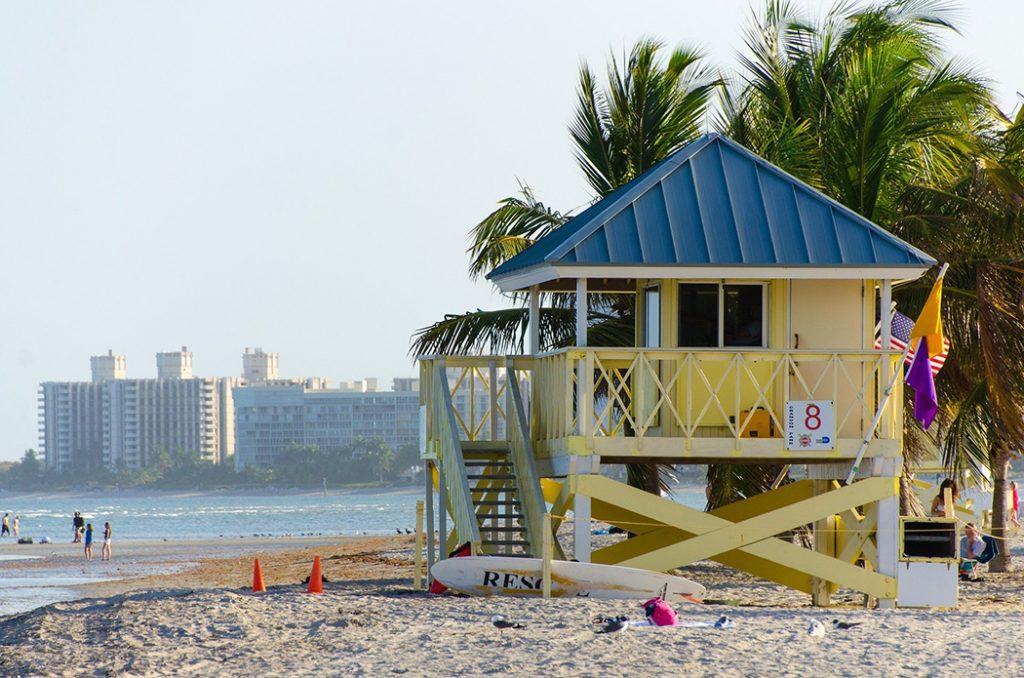 Photo of a lifeguard hut in Miami.