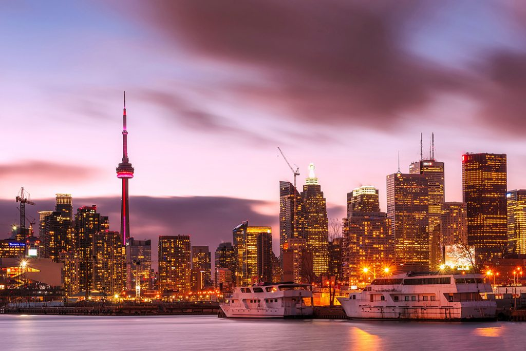 Photo of the Toronto skyline, including the CN Tower.